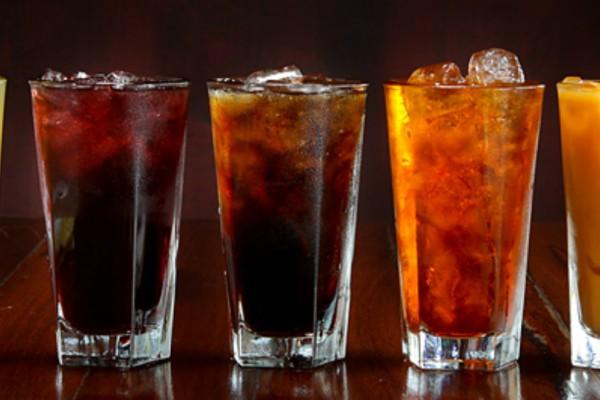 8 περίεργα πράγματα που θα σου συμβούν αν κόψεις τα αναψυκτικά