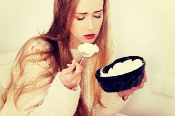 Πώς η ψυχολογία μας επηρεάζει το βάρος μας! - 5 συμβουλές για να μην το ρίξετε στο φαγητό!