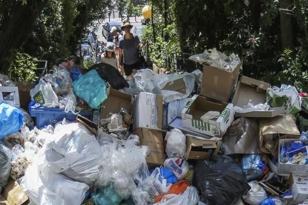 Τέλος στην απεργία της ΠΟΕ - ΟΤΑ! Αρχίζει το μάζεμα των σκουπιδιών!