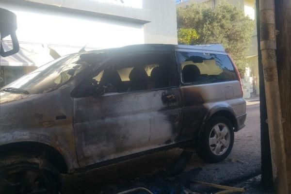 Κρήτη: Στο «πόδι» η Πυροσβεστική - Φωτιά σε αυτοκίνητα τα ξημερώματα (Photo)