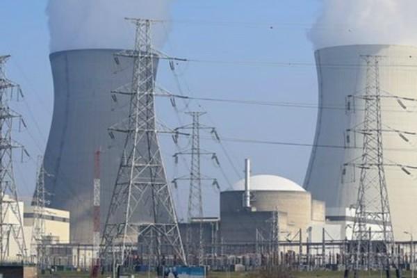 Γαλλία: Φωτιά σε πυρηνικό σταθμό!