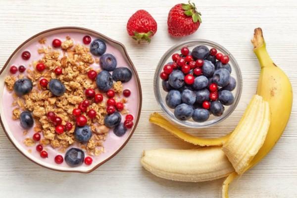 8 πανεύκολες και υγιεινές ιδέες για το πρωινό σου που μπορείς να ετοιμάσεις από το προηγούμενο βράδυ