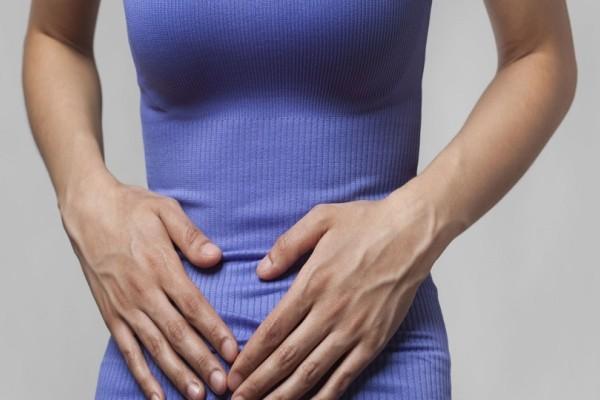 Με αυτά τα συμπτώματα το συκώτι σας προειδοποιεί ότι είναι επιβαρυμένο - 4 μέθοδοι που θα σας αποτοξινώσουν