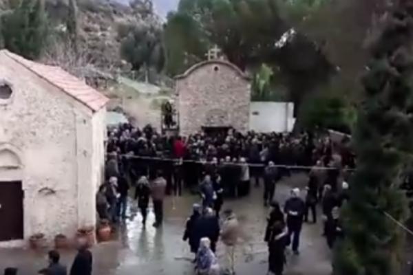Δεν θα πιστεύετε τι συνέβη σε αυτή την κηδεία στο Ηράκλειο Κρήτης!