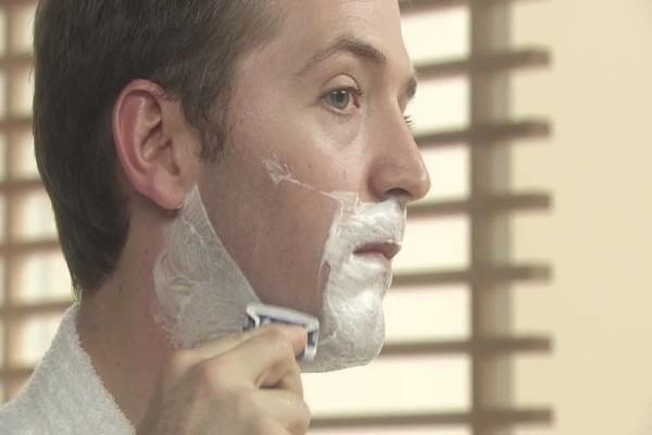 Ο αφρός ξυρίσματος... δεν είναι για ξύρισμα! 9 ασυνήθιστες χρήσεις του που θα σας λύσουν τα χέρια!