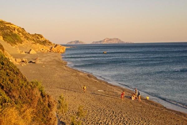 Κρήτη: Αυτή είναι η ιδανική παραλία για τους ερωτευμένους που θυμίζει την έρημο Σαχάρα! (Photo)