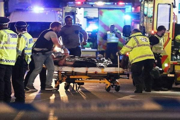 Νύχτα τρόμου στο Λονδίνο: Διπλό τρομοκρατικό χτύπημα με έξι θύματα - Νεκροί και οι τρεις τρομοκράτες (Video)
