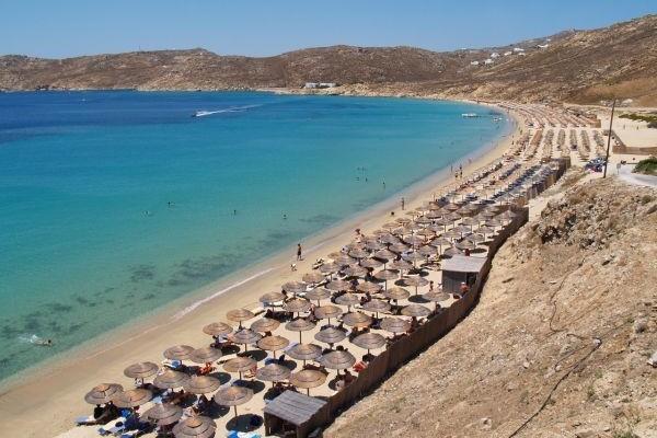Απίστευτο κι όμως ελληνικό: Αυτόφωρο λόγω... ξαπλώστρας στη Μύκονο! Δείτε τον τύπο και τι πρωτοφανές πέρασε (Photos)