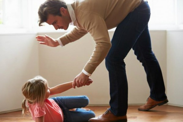 Απίστευτο πείραμα με παιδιά! Πως αισθάνονται αυτοί που «σηκώνουν χέρι» για να χτυπήσουν κάποιον; (video)