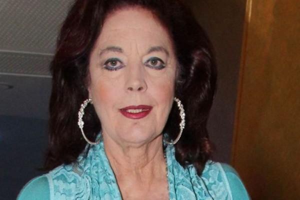 Σε στενό οικογενειακό κύκλο αποχαιρέτισαν την Καίτη Πανίκα (VIdeo)