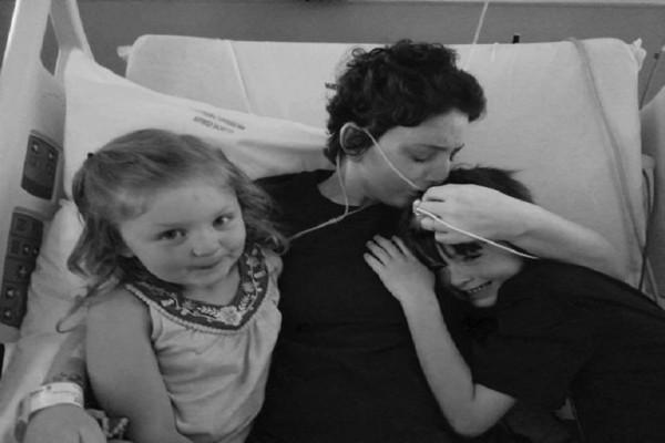Η ιστορία που θα σας συγκινήσει: Παντρεύτηκε την κοπέλα του λίγο πριν χάσει τη μάχη με τον καρκίνο! (Photo)