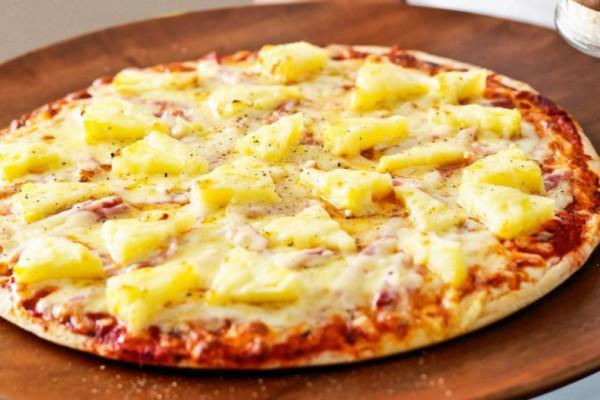 Πέθανε ο Έλληνας που «ανακάλυψε» την πίτσα με ανανά!