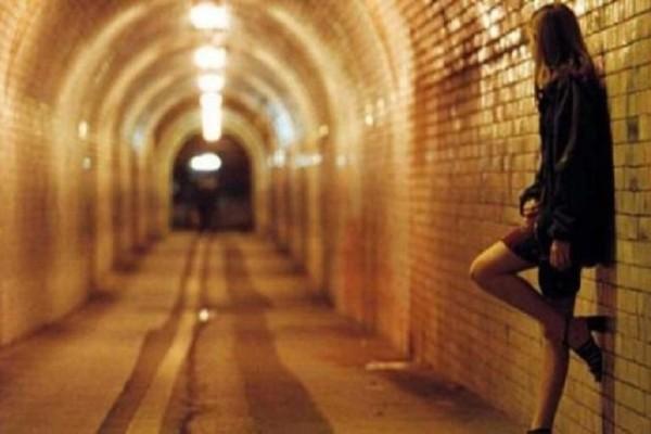 Σοκ στην Ηλεία: Βούλγαροι εξέδιδαν γυναίκες για το εξευτελιστικό ποσό των 10 ευρώ!