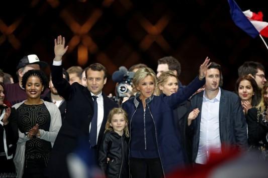 Γαλλία - Εκλογές: Συντριπτική πλειοψηφία για τον Μακρόν, ρεκόρ η αποχή!
