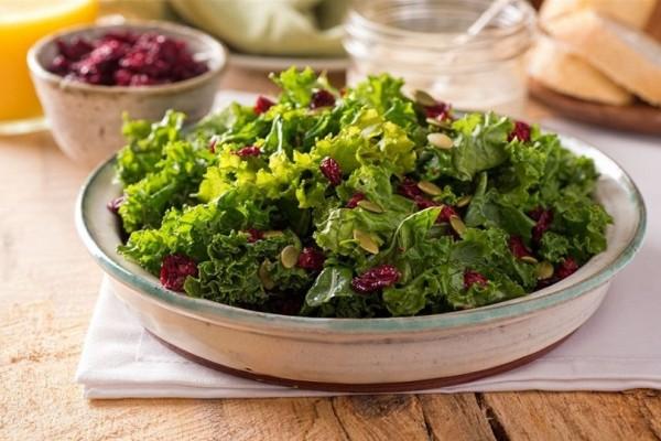 9 λόγοι που θα πρέπει να επιλέγετε πριν από κάθε γεύμα σαλάτα! - Ποια είναι τα οφέλη που προσφέρει στον οργανισμό!