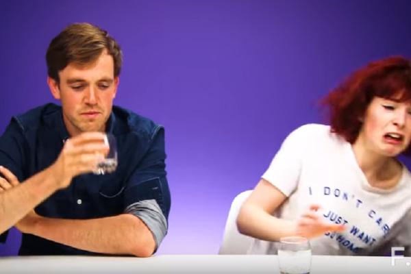 Επικό βίντεο! Ιρλανδοί δοκιμάζουν ελληνικά ποτά! Θα πεθάνετε από τα γέλια με τις αντιδράσεις τους