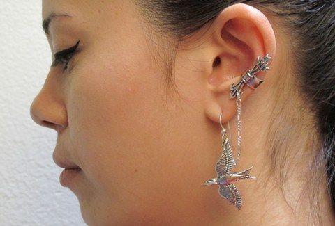 Παροξυσμός: Χαμό έχει φέρει η νέα μόδα με τα σκλουλαρίκια που δεν χρειάζονται τρυπημένα αυτιά! (Photos)