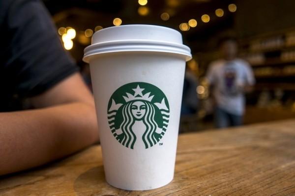 Τι άλλο θα δούμε; Πελάτης έκανε αγωγή στα Starbucks γιατί τα ροφήματα είχαν υπερβολική ποσότητα πάγου!