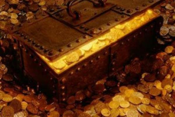 Απίστευτο! Βρήκαν θησαυρό επτακοσίων κιλών από διαμάντια και δαχτυλίδια στο Χαλάνδρι!