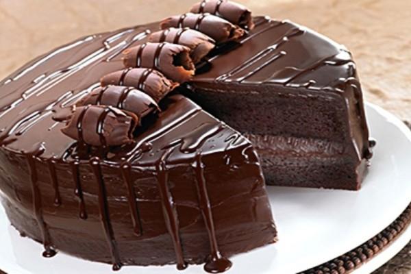 Φτιάξτε την πιο λαχταριστή τούρτα σοκολάτας με ινδοκάρυδο που έχετε δοκιμάσει!