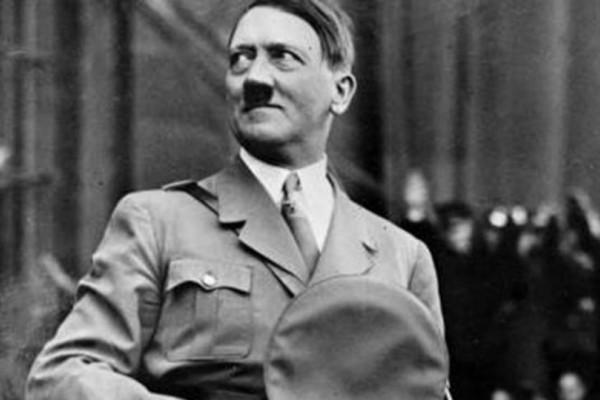 Το ακούσαμε και αυτό! 128χρονος Γερμανός που μένει στην Αργεντινή ισχυρίζεται πως είναι ο... Χίτλερ! (Photos)