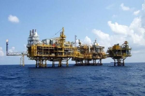 Προκαλεί και πάλι η Τουρκία - Τουρκική φρεγάτα παρακολουθεί την γεώτρηση στην κυπριακή ΑΟΖ