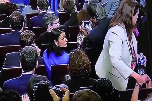 Τρομακτική λιποθυμία on air: Γνωστή παρουσιάστρια έχασε τις αισθήσεις της την ώρα που παρουσίαζε την εκπομπή της!