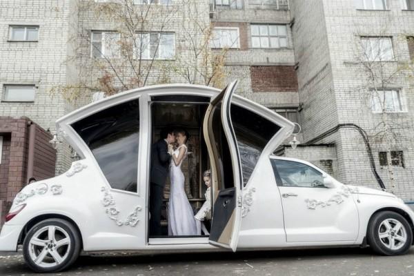 Έφτιαξαν λιμουζίνα που θα κάνει κάθε νύφη να έχει έναν παραμυθένιο γάμο!