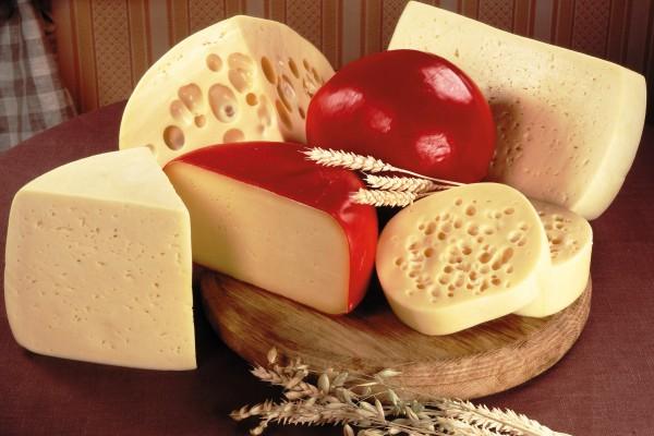 Γαλλία: Έχασε τη δουλειά του για ένα κομμάτι...τυρί!!!