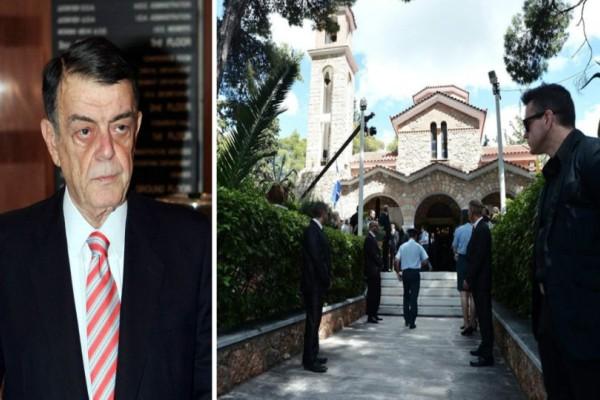 Η Ελλάδα αποχαιρετά τον Μίνωα Κυριακού! Σπαραγμός και οδύνη στην κηδεία του (photos)