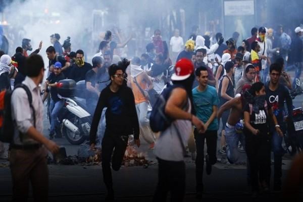Χαοτική κατάσταση στη Βενεζουέλα: Τουλάχιστον 7 νεκροί σε 48 ώρες καθώς πλησιάζουν οι εκλογές!