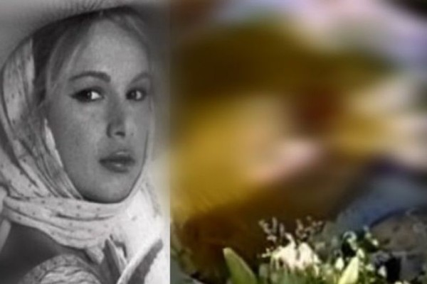 Η Αλίκη Βουγιουκλάκη στο φέρετρο που σόκαρε το Πανελλήνιο! Το αμήχανο τελευταίο φιλί του Σπυρόπουλου