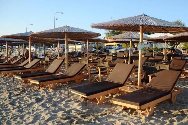 Plazz: Η εφαρμογή που σας βρίσκει ξαπλώστρα στις παραλίες της χώρας!