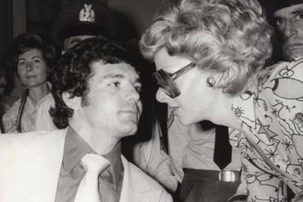 Σαν σήμερα - 10 Ιουλίου 1984: Κρεμασμένος στις φυλακές Κορυδαλλού βρίσκεται ο ο γοητευτικός «ληστής με τις γλαδιόλες»! (photos)