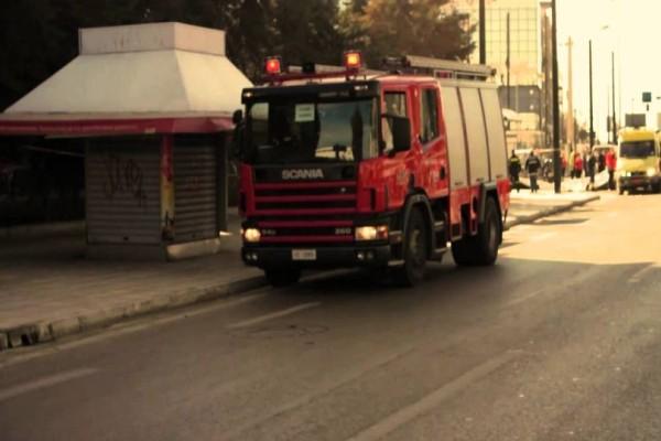 Θρίλερ στο κέντρο της Αθήνας! Στις φλόγες διαμέρισμα