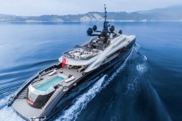 Το νέο σκάφος της Γιάννας Αγγελοπούλου Δασκαλάκη θα σας αφήσει με το στόμα «ανοιχτό!» Το εσωτερικό του δεν υπάρχει! (Photos)