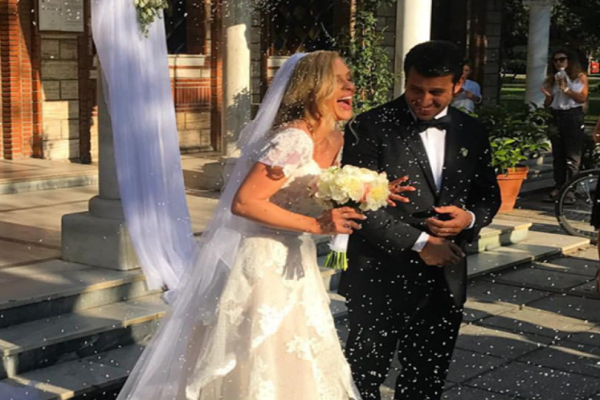 Παραθυμένιος γάμος: Παντρεύτηκε η Χριστίνα Αλούπη! Λαμπερές φωτογραφίες
