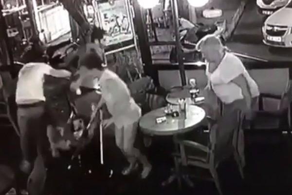 Σεισμός στην Κω: Νέο βίντεο - σοκ από καφετέρια την ώρα του Εγκέλαδου!