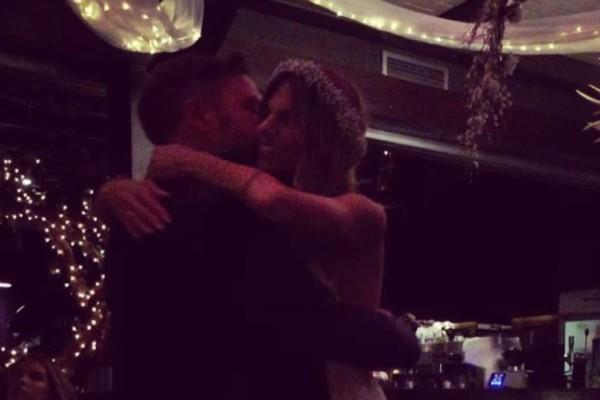 Γάμος Βαρδή - Σκαφιδά: Ο ονειρεμένος πρώτος χορός του ζευγαριού στην δεξίωση που μαγνήτισε τα βλέμματα! (video)