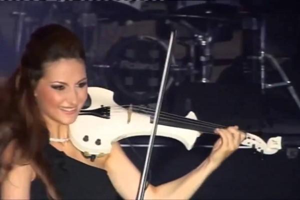 Είχατε ακούσει ποτέ βιολί να παίζει το συρτάκι; Δείτε και ακούστε την απίστευτη εκτέλεση σε ένα υπέροχο video!