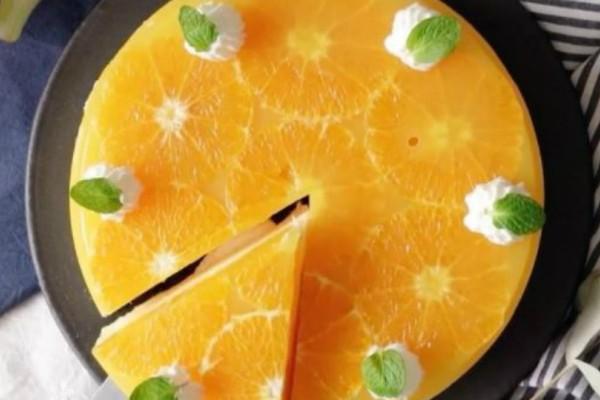 Θα την λατρέψετε! Καλοκαιρινή και πεντανόστιμη πορτοκαλόπιτα (video)