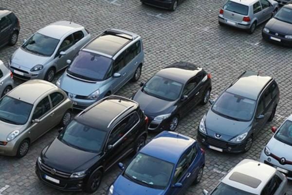Τέλος τα βενζινοκίνητα και τα πετρελαιοκίνητα αυτοκίνητα από την Γαλλία από το 2040!