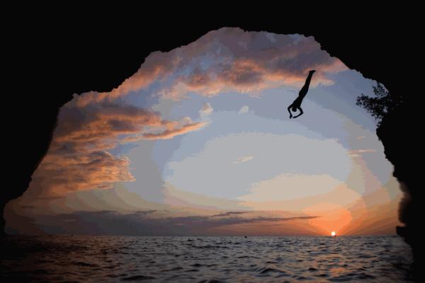 Βουτιές από ψηλά που δεν βγήκαν σε καλό: Δείτε τα απόλυτα fails σε ένα ξεκαρδιστικό video
