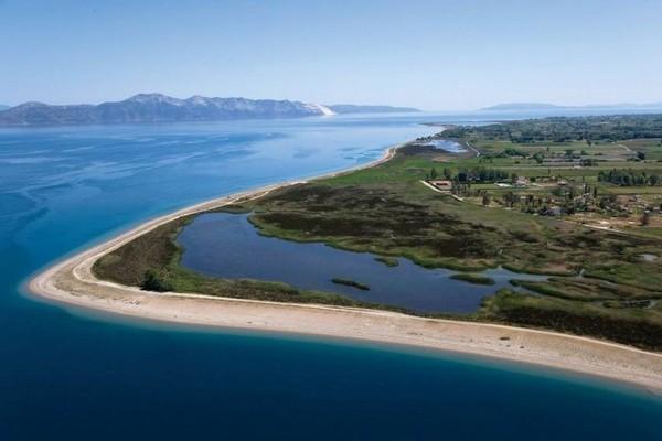 Ο ελληνικός παράδεισος που θα σας εγκλωβίσει στα υπέροχα τοπία του! (photos)