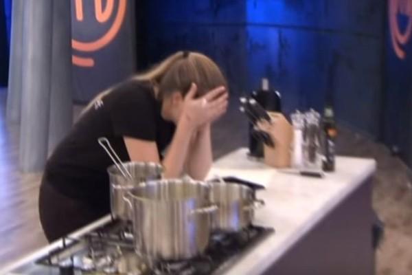 Master Chef: Κατέρρευσε παίκτρια με τα σχόλια του Σκαρμούτσου! (videos)