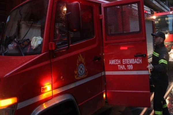 Πανικός στην Πάτρα: Φωτιά σε διαμέρισμα από κλιματιστικό - Έβγαλαν «σηκωτούς» δύο ηλικιωμένους