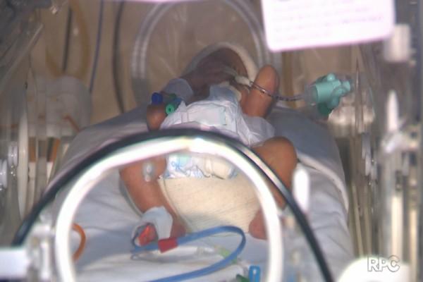 Αυτό είναι θαύμα: Εγκεφαλικά νεκρή μητέρα γέννησε υγιέστατα δίδυμα μωρά!