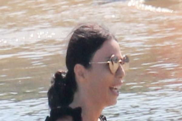 Πάθαμε εγκεφαλικό: Δείτε το πραγματικό κορμί και... πρόσωπο της Κέλλυς Κελεκίδου χωρίς ίχνος ρετούς! Αποκλειστικές φωτογραφίες