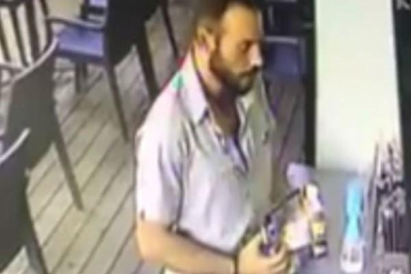 Προκλητικός κλέφτης αρπάζει το κουτί με τα tips των σερβιτόρων! (video)