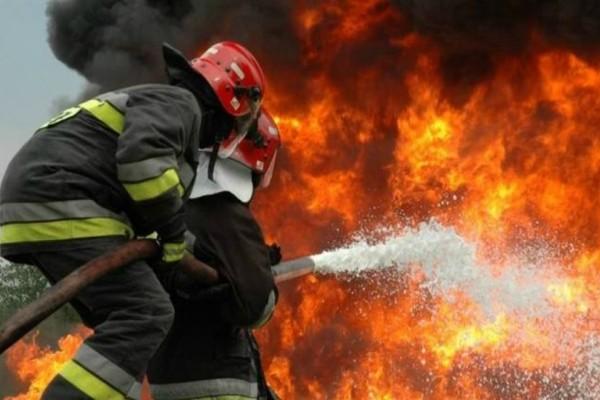 Μεγάλη φωτιά ξέσπασε κοντά σε κατοικημένη περιοχή στην Αχαΐα!